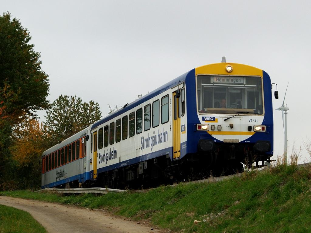 VT 411 und VT 410 bei Münchingen, 26. Oktober 2012 Foto: Jiří 7256 – 1024×768