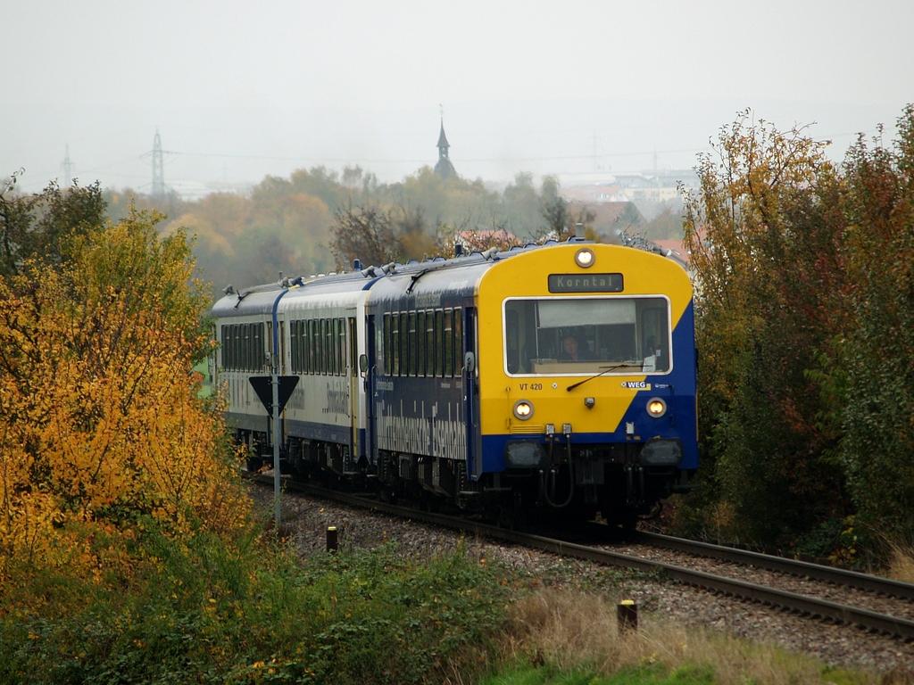 VT 420, VS 250 und VT 412 bei Münchingen, 26. Oktober 2012 Foto: Jiří 7256 – 1024×768