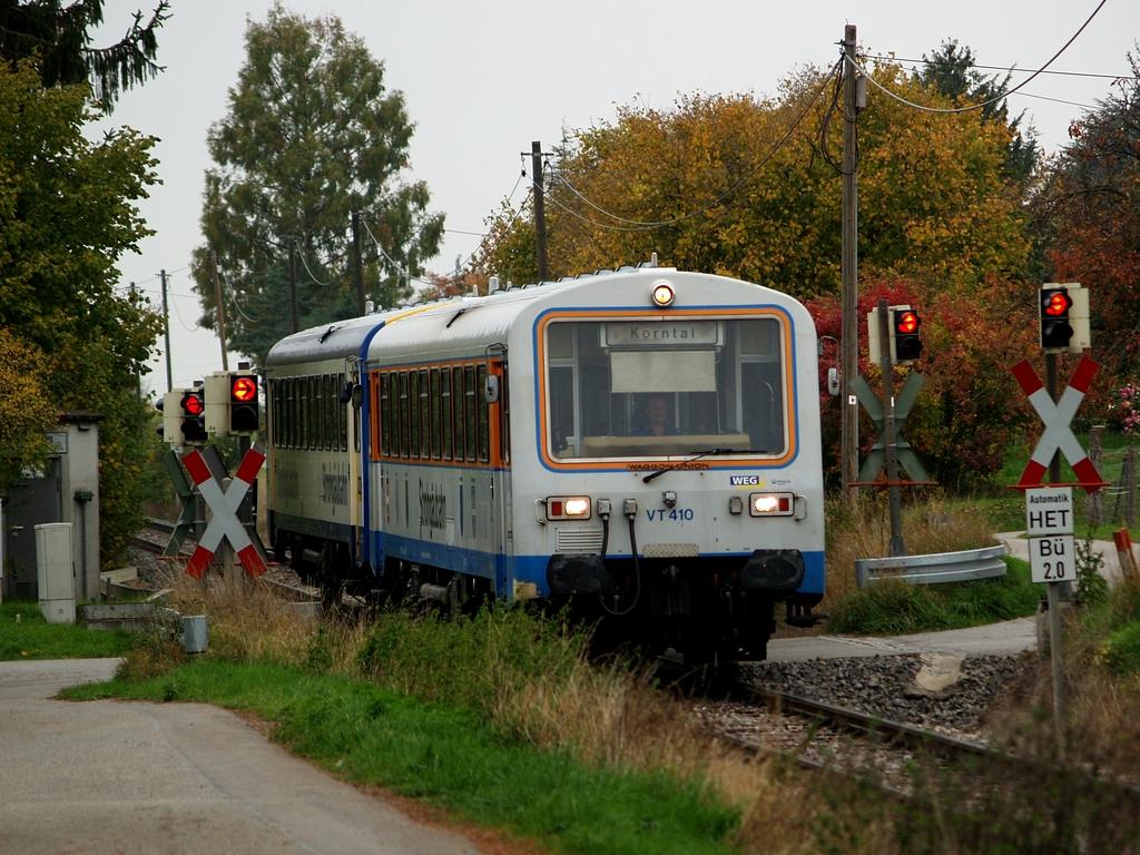 VT 410 und VT 411 bei Korntal, 26. Oktober 2012 Foto: Jiří 7256 – 1024×768