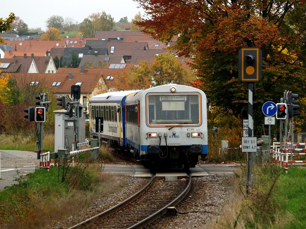 VT 410 und VT 411 in Münchingen, 26. Oktober 2012 Foto: Jiří 7256 – 1024×768