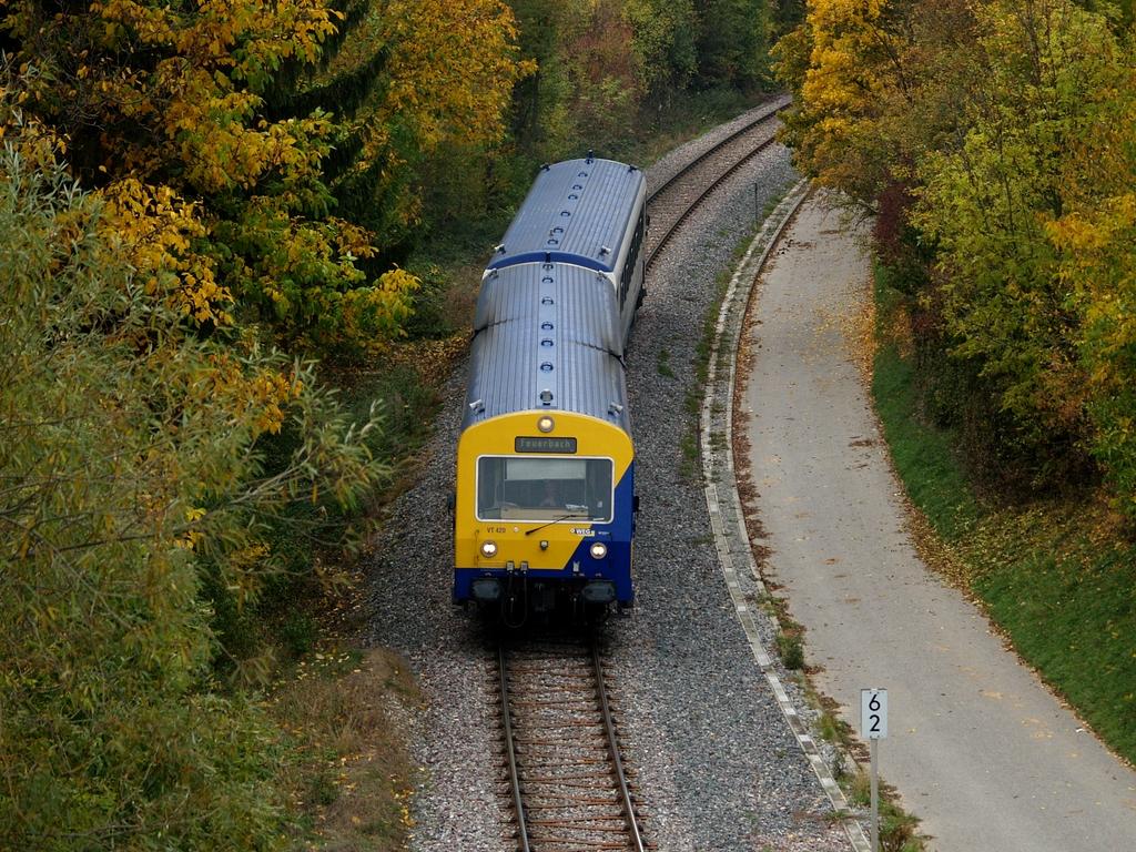 VT 420 und VS 250 bei Münchingen, 26. Oktober 2012 Foto: Jiří 7256 – 1024×768