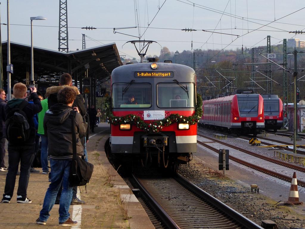 http://ufoportglufenteich.de/wp-content/uploads/2016/11/420_Abschied_Stuttgart4.jpg